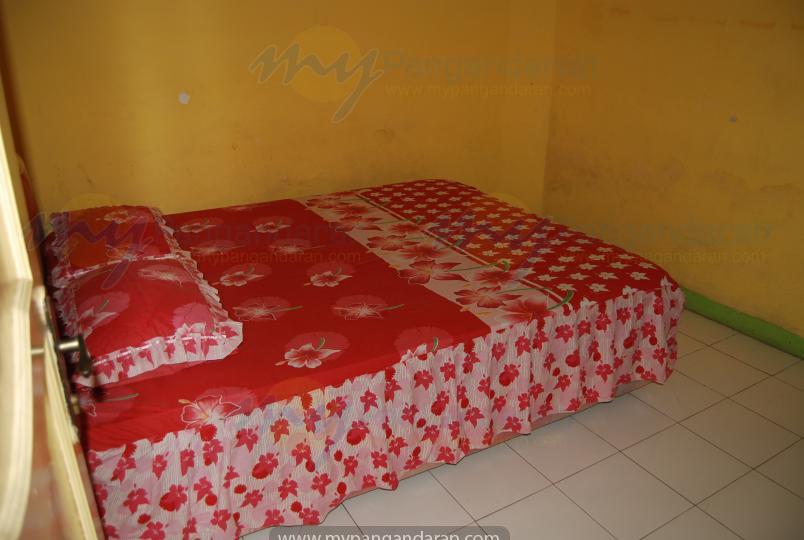 Kamar Tidur Bungalow B Pondok Wisata Bu Oom